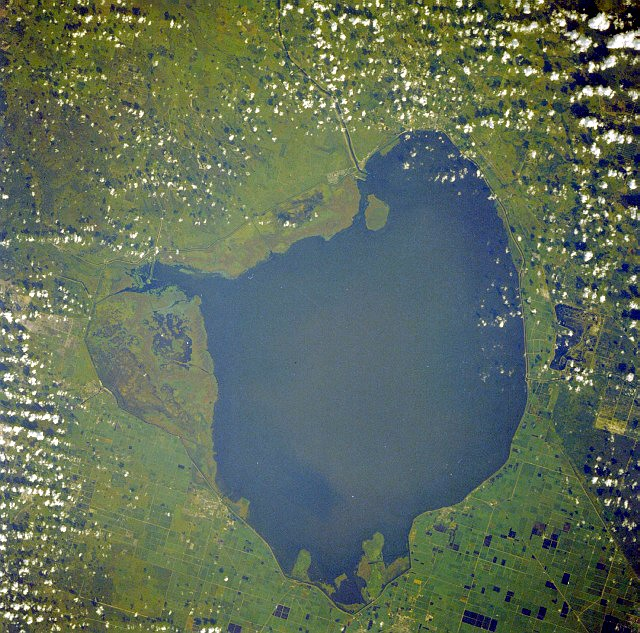 Okeechobee_lake_from_space
